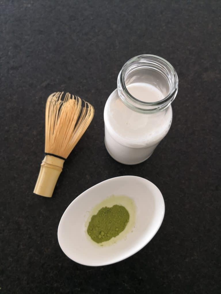 Zutaten für Matcha-Latte